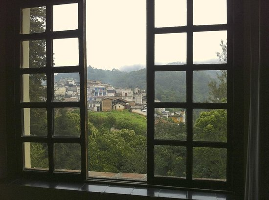 Mayan Inn: The view out the window was lovely