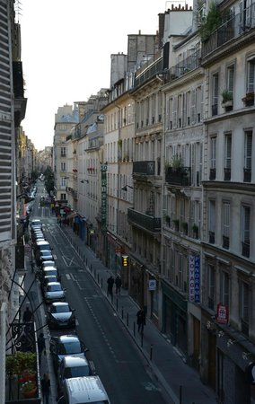 Hôtel Maxim Opéra : View of the street from my hotel room