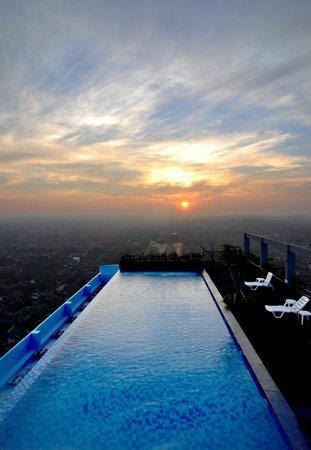 Sky Pool sky pool - picture of sky pool bar, semarang - tripadvisor