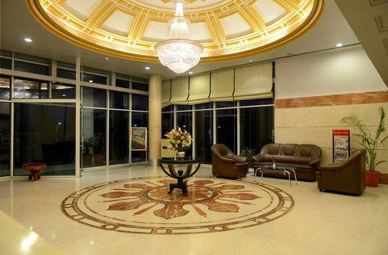 Hotel Amer Palace Ratanpur: Lobby