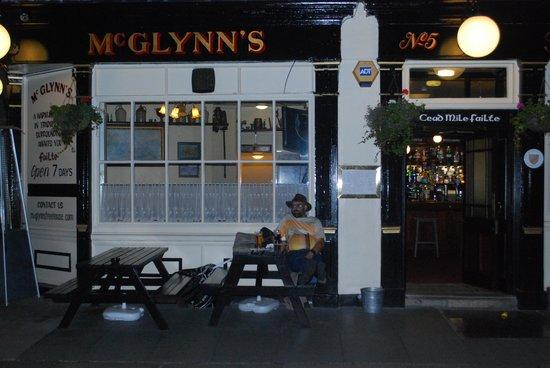 McGlynn's Free House : NICE!