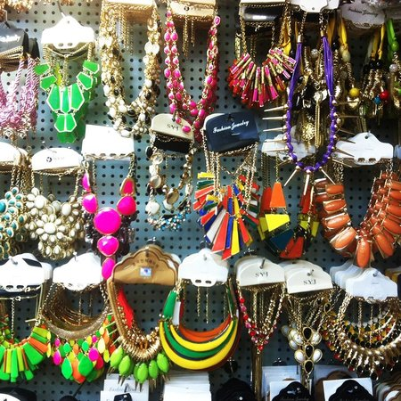 Divisoria Market : Some of the accessories found in 168 and 999 Mall. Many more fashionable items in these malls