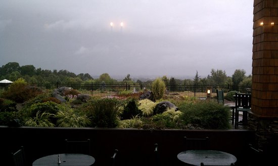 Oregon Garden Resort : View after the storm from the restaurant