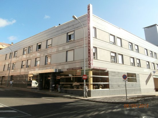 Infantas de Leon Hotel: Exterior