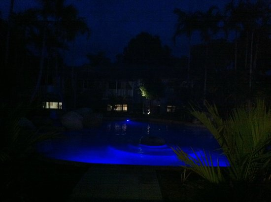 Reef Resort Port Douglas by Rydges: view of the main pool by night
