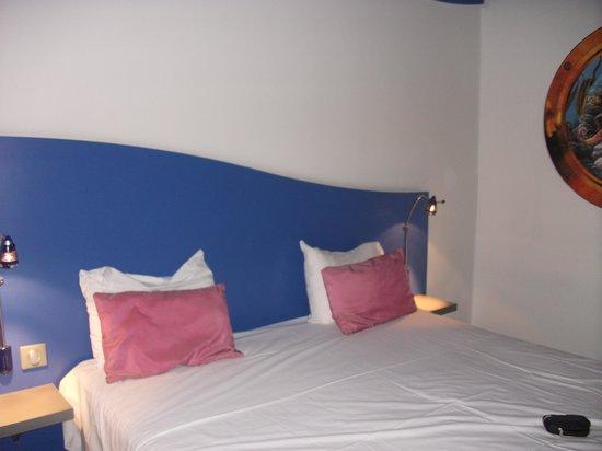 Hotel Jules Verne Premium: lit double