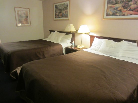 Travelodge Seattle North/Edmonds: Double queen beds