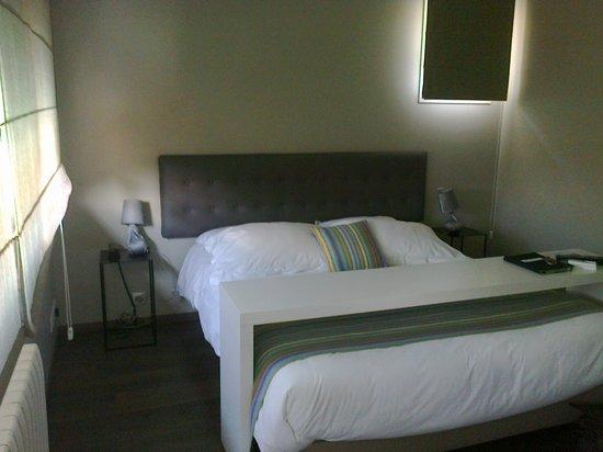 Hotel Villa Goxoa : chambre donnant sur piscine