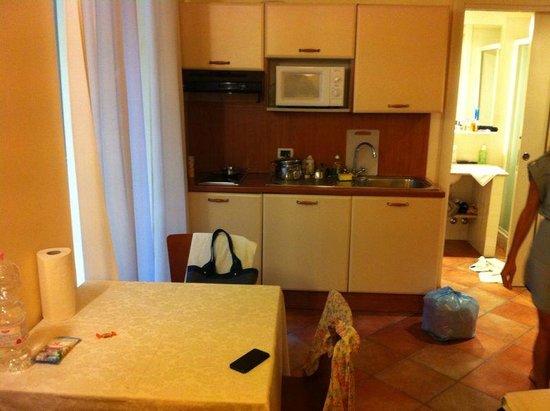Villa Firenze: Кухонный уголок