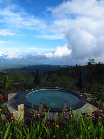 Munduk Moding Plantation : Heated Jacuzzi