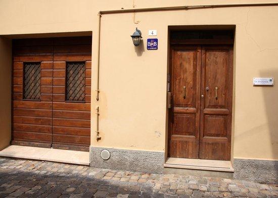 B&B La Basilica: Doors
