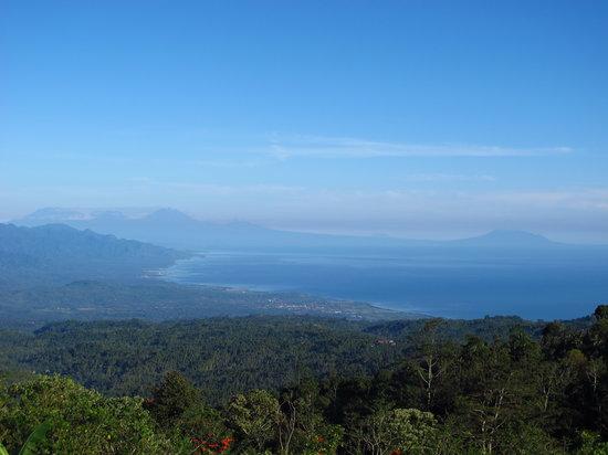 Munduk Moding Plantation: Coastline