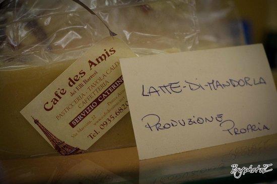 cafe des amis: pasta di mandorle