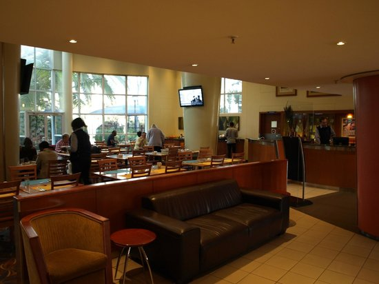 StayEasy Pretoria: beskedent udvalg til morgenmad og lidt for stive stole