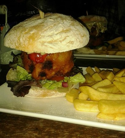 Parsonage Farm Inn: Vegetarian burger