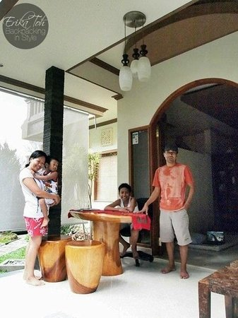 The friendly owners of Bayu Guest House - Pak Komang, Ibu Kadek and their two sons - Bayu and Ra