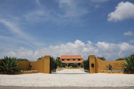 Wanapa Lodge: Entree Wanapa