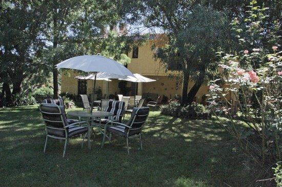Hotel Rural Xerete : Jardín trasero