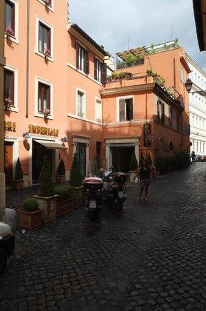 Hotel Fori Imperiali Cavalieri: the hotel