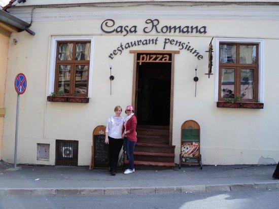 Pensiune Casa Romana: the entrance