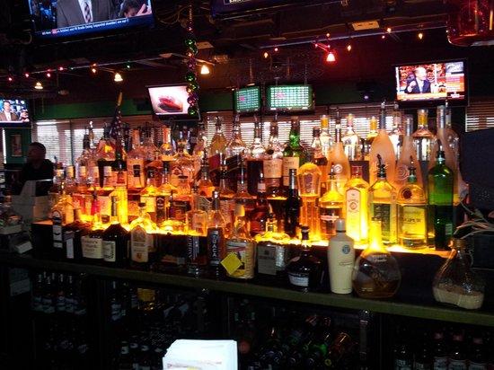 Gator Jakes: Bar.