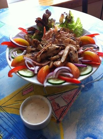 Beachcomber Cafe: chargrilled chicken & bacon salad
