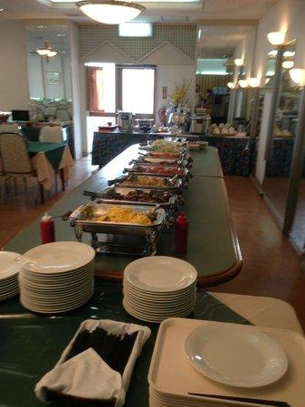 Okinawa Sunplaza Hotel: ビュッフェスタイルの朝食