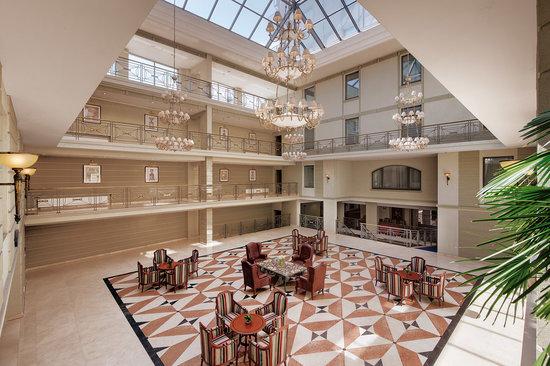 Kempinski Hotel Moika 22: Atrium