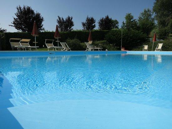 Buonriposo: at the swimming pool!