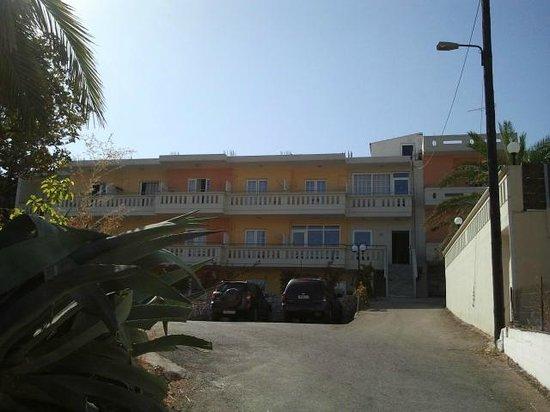 Hotel Amaryllis: parcheggio e ingresso