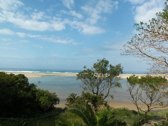 Umngazi River Bungalows & Spa: View from the outdoor shower