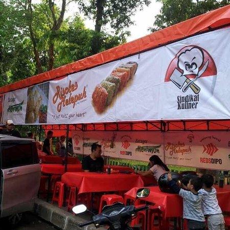 Reds Dipo : New Redsdipo Jakarta branch at Taman Wijaya