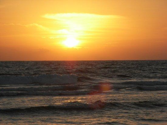 Karu's Guest House : Akurala Beach