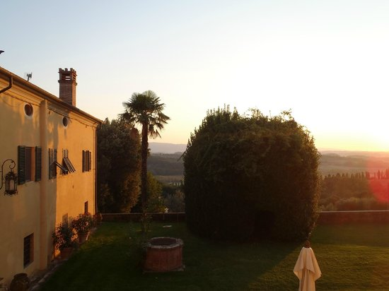 Pratello Country Resort: View from our room as the sun sets