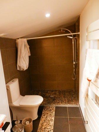 Salle d 39 eau avec douche italienne photo de la lune for Salle d eau douche italienne