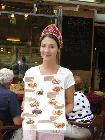 Hotel Erzsebet City Center: Hungarian on her job