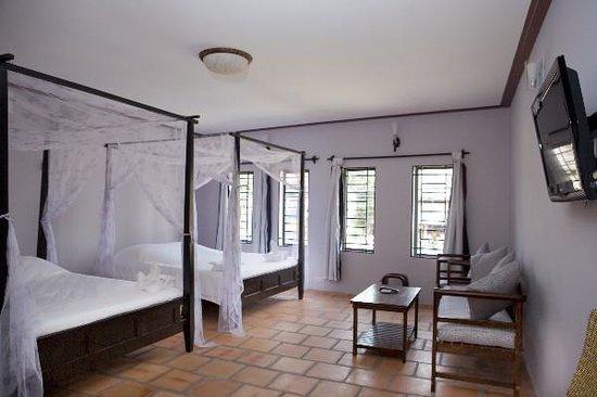 Cinderella Golden Lodge: suite room