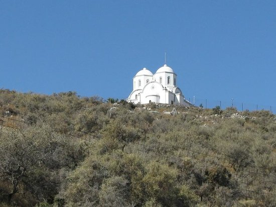 Eye Travel - Private Day Tours: One of the many churches along the route