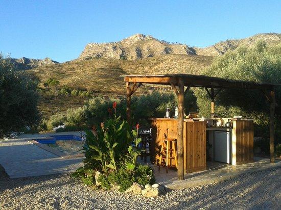 Yoga Holidays Spain - Casa de Carrasco: bar / kitchen area