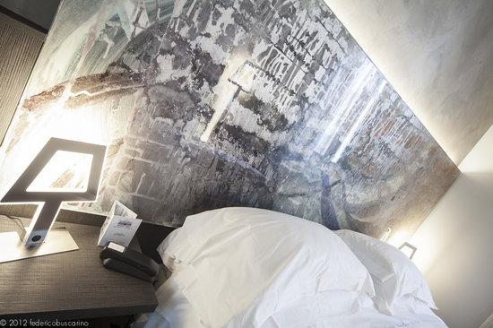 Arli Hotel: dettaglio letto