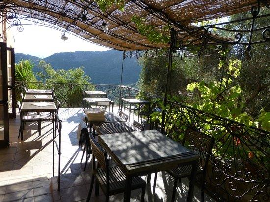 Hotel Restaurant A Pasturella : Salle a manger terrasse