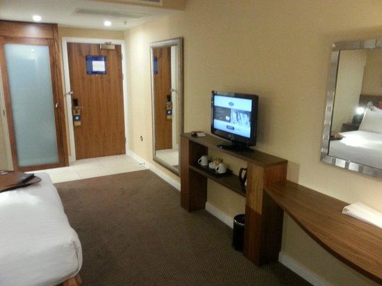 Hampton by Hilton Liverpool/John Lennon Airport: Room and TV view