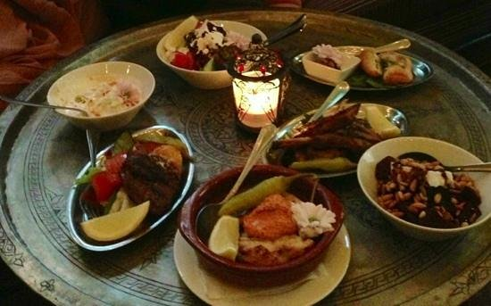 Halv Grek plus Turk : meze middag vid sofforna