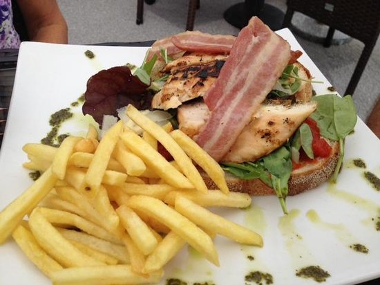 Pedn Olva Hotel: Chicken and bacon club sandwhich