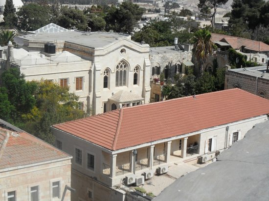 Christ Church Guest House : The view of Christ Church from the Tower of David across the road.