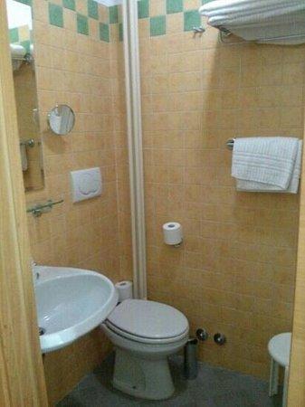 Hotel Plaza : bagno nuovo