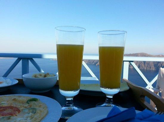 Absolute Bliss Imerovigli Suites: breakfast
