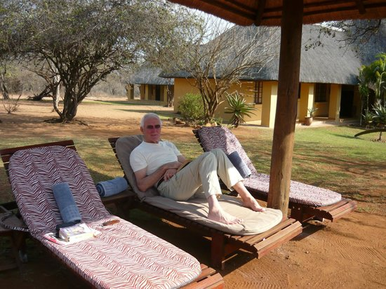 Royal Kruger Lodge : The Lodge from the pool area