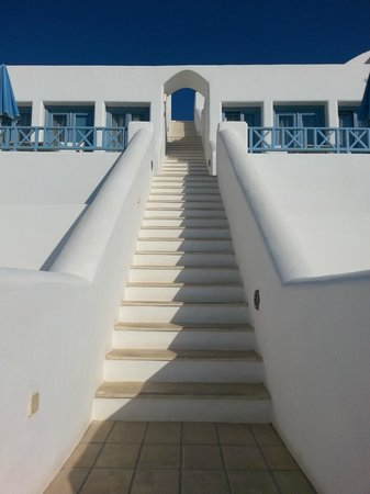 Absolute Bliss Imerovigli Suites: stairs
