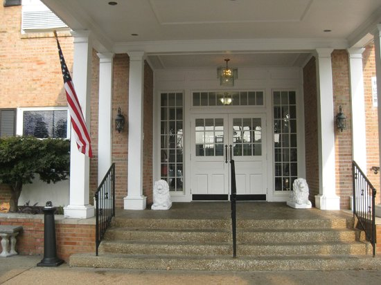 Breckinridge Inn: Entrance